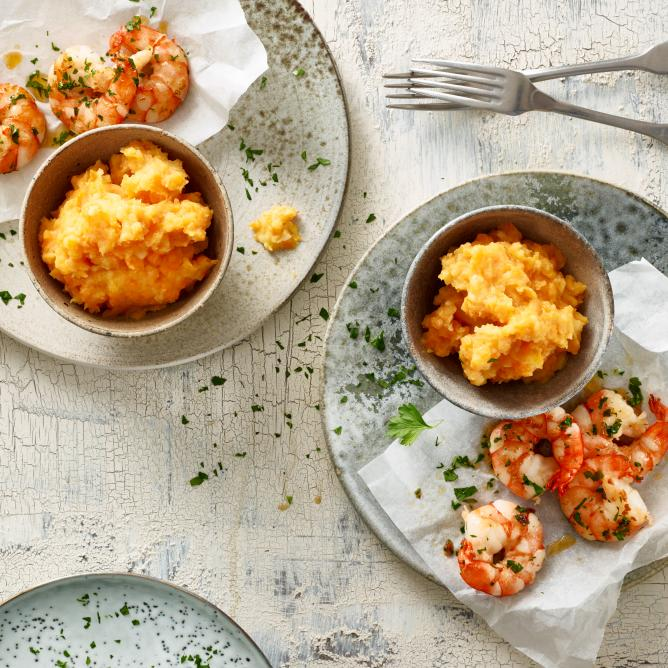 Coconut carrot mash with prawns