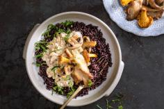 Black rice with mushroom sauce