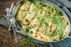 Salmon cannelloni with wild garlic pesto