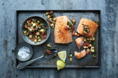 Salmon fillet with tomato and pineapple salsa