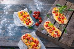 Pepper & tomato pizzas