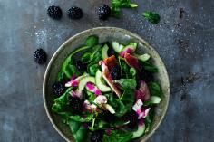 Summer salad with trout and a beetroot dressing