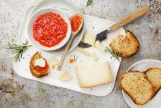 Manchego cheese with tomato jam