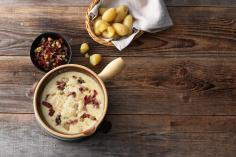 Pear fondue with Mostbröckli