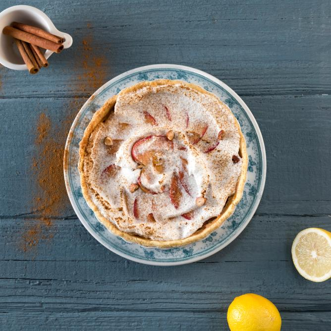 Apple Pie with Cinnamon Meringue