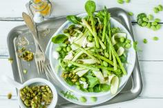 Spring salad with pistachio brittle