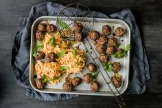 Thai meatballs with curry