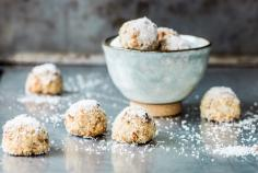 Date & coconut power balls