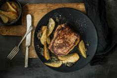 Entrecôte doubles with Guinness-poached pears