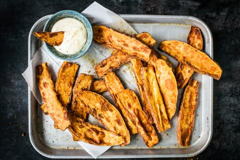 Sweetpotatoes-Wedges mit Käsedip