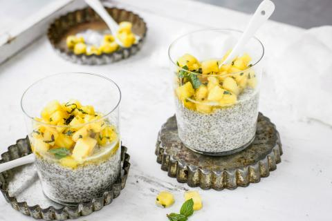 Pineapple & chia pudding