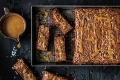 Chocolate brownies with caramel topping