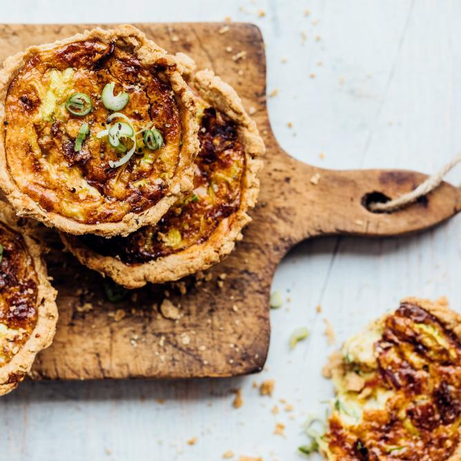Gorgonzola cheese tarts
