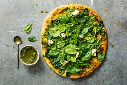 Pizza pesto e spinaci