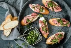 Roast beef crostini with cress gremolata