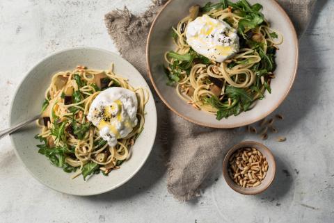 Spaghettis aux aubergines et burrata
