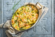 Penne bake with asparagus and salmon