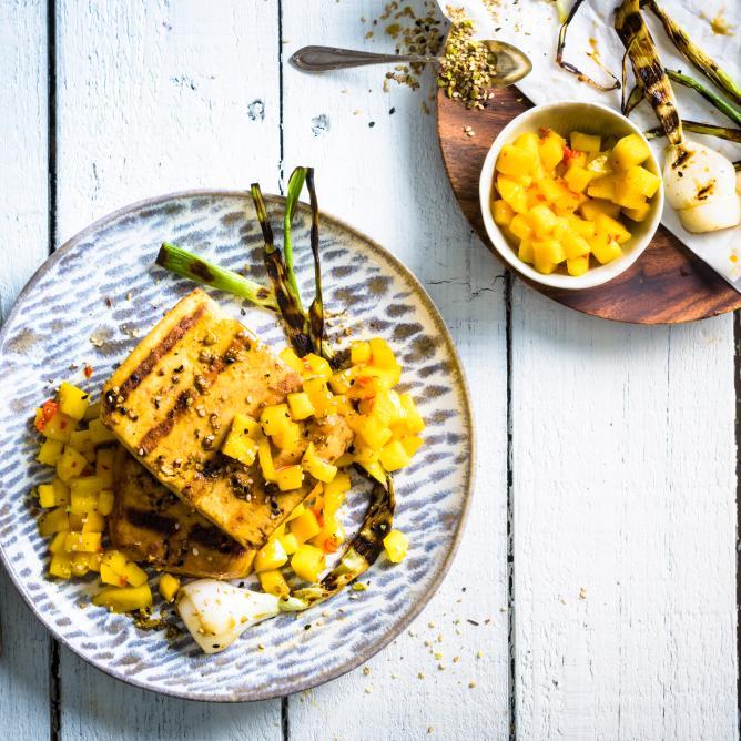 Tofu with dukkah and mango