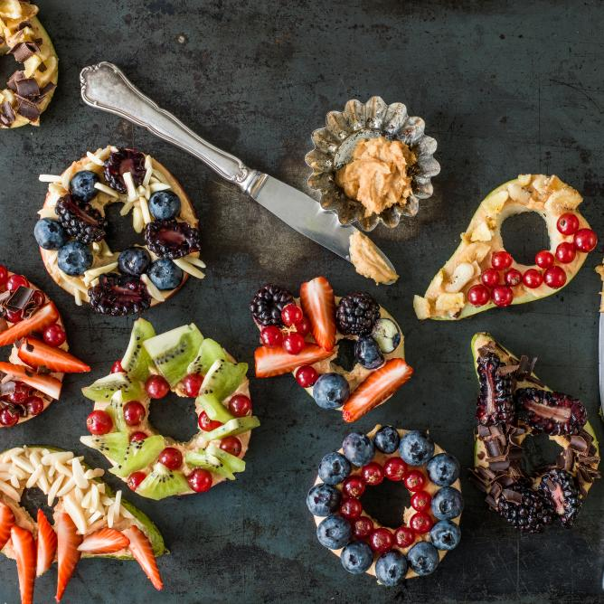 Fruit bagels