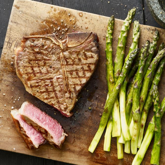 T-bone steak with grilled asparagus