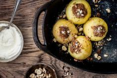 Baked Apple with Hazelnuts