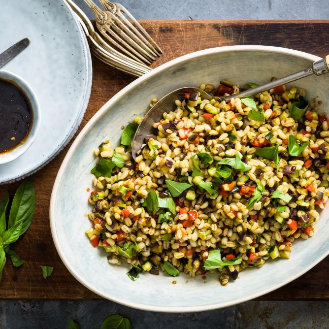 Pearl barley salad with roasted vegetables