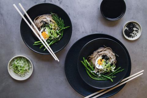Soba with asparagus, egg and nori