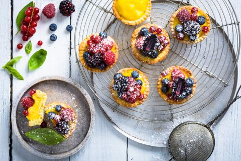 Fruity lemon tartlets