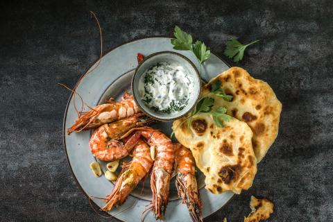 Chilli prawns with flatbread