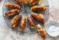 Raclette pretzel twists