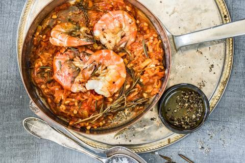 Crevettes d`eau douce et sauce d`hiver