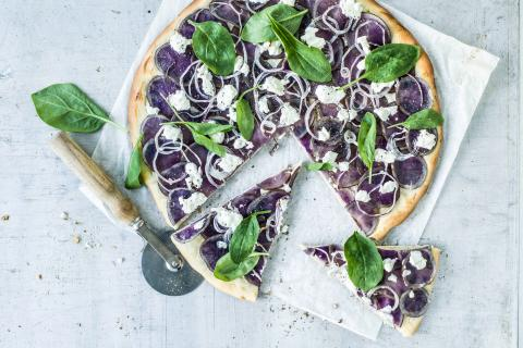 Pizza alle patate blu