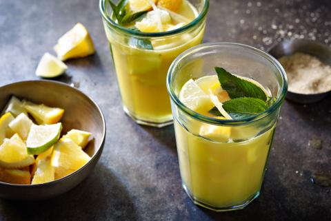 Orange mojito punch