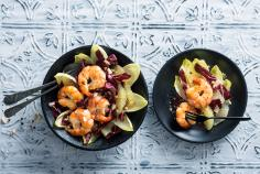 Chicory salad with grapefruit and prawns