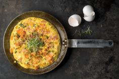 Frittata with ham and spring vegetables