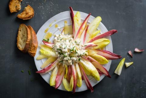 Insalata d'inverno con cottage cheese e pere