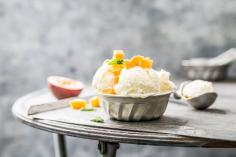 Rice ice cream with lemongrass and mango