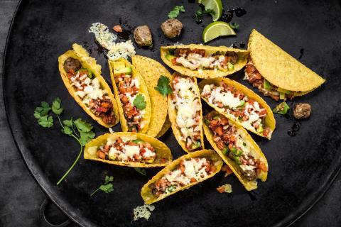 Mini tacos con polpette di carne