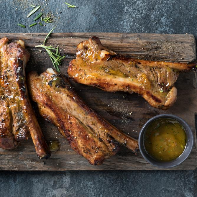 Spare ribs with apricot marinade