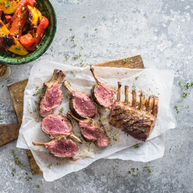 Grilled racks of lamb with peppers