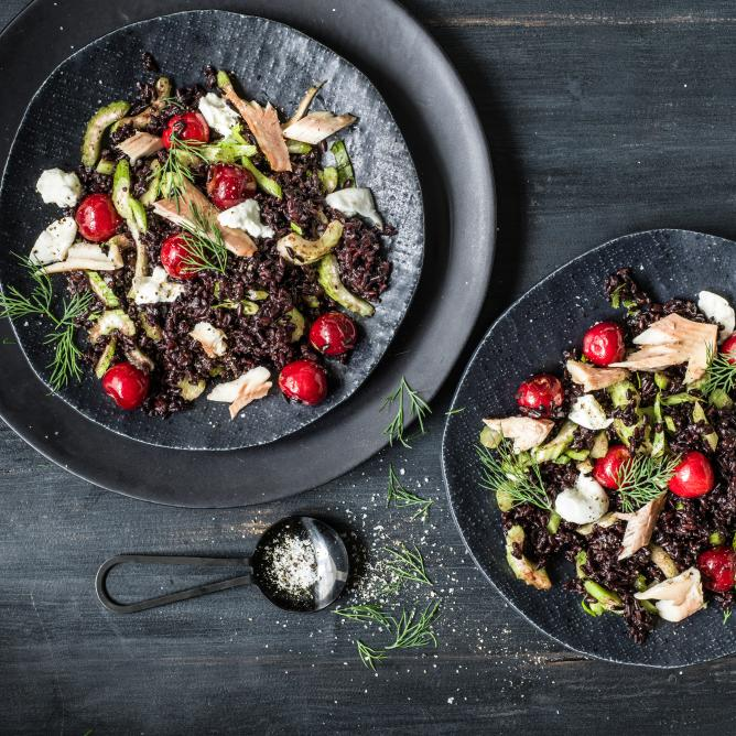 Black rice salad with cherries