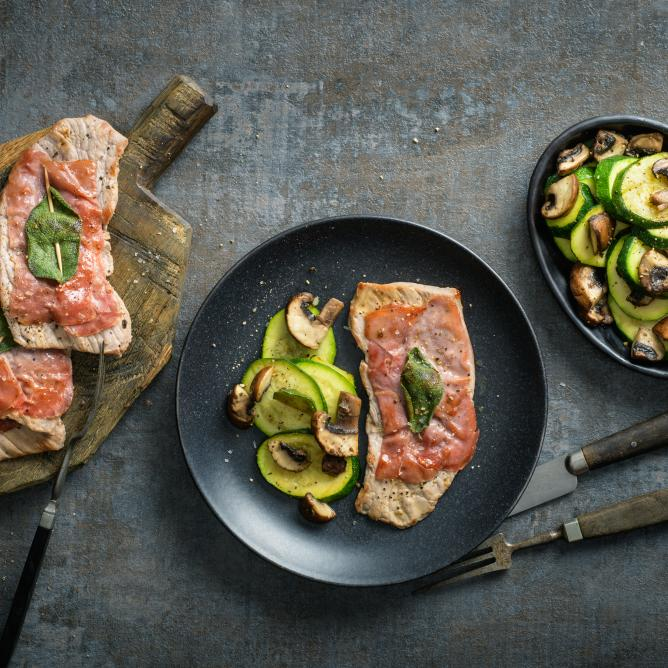 Saltimbocca with courgette and mushrooms