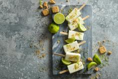Paletas de Pay de Limon (lime ice lollies)