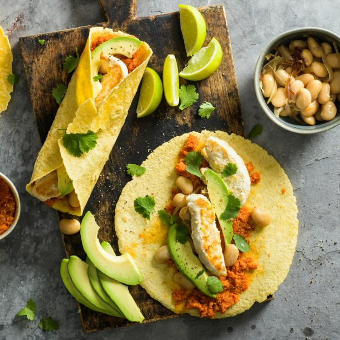 Fajitas with pepper puree and chicken