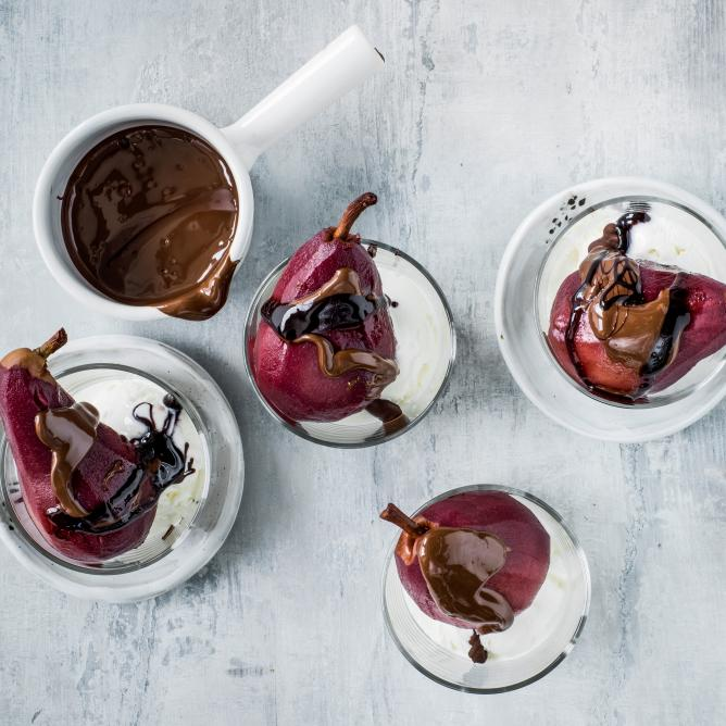 Poached pears in red wine with ice cream
