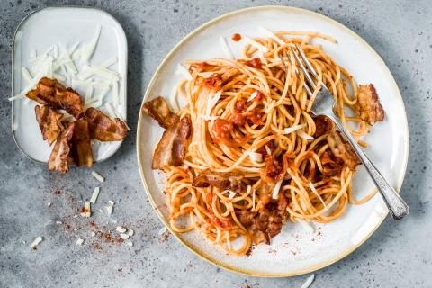 Smoky bacon & tomato spaghetti
