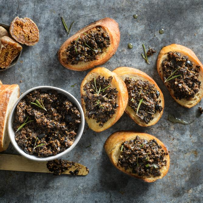 Crostini with olive tapenade