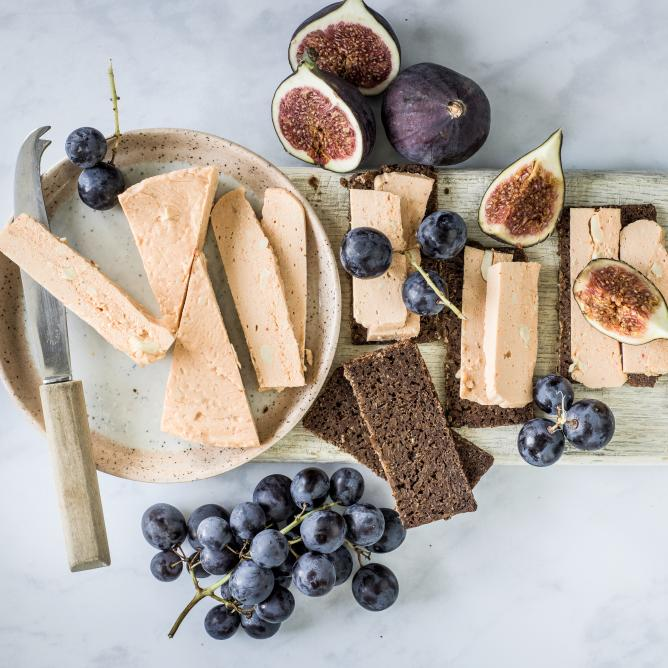 Plant-based alternative to semi-hard cheese