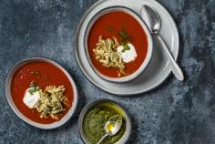Tomaten-Pesto-Suppe mit Poulet