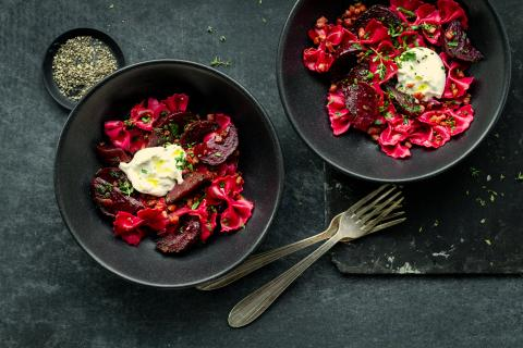 Beetroot farfalle with burrata